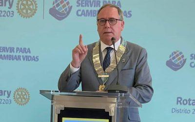 Javier Ygarza toma posesión como Gobernador del Distrito 2203